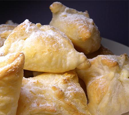 Как приготовить слойки с грецкими орехами