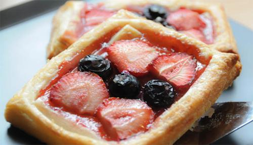Как приготовить слойки с фруктами