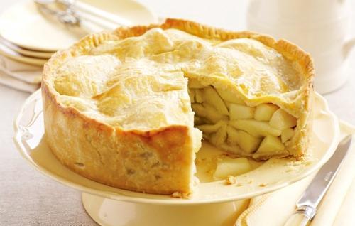 Песочный пирог с яблоками в мультиварке