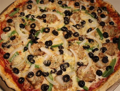 Как приготовить пикантную луковую пиццу