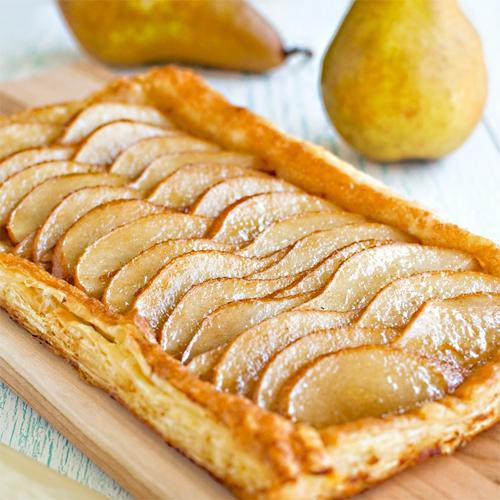 Как приготовить слоеный яблочный пирог с заварным кремом